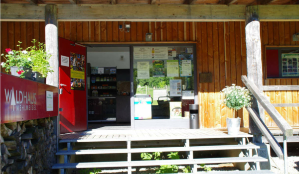 Der Wildpark Waldhaus Mehlmeisel darf wieder öffnen. Doch die Auflagen könnten die Besucher von einem Besuch abhalten. Foto: Wildpark Waldhaus Mehlmeisel