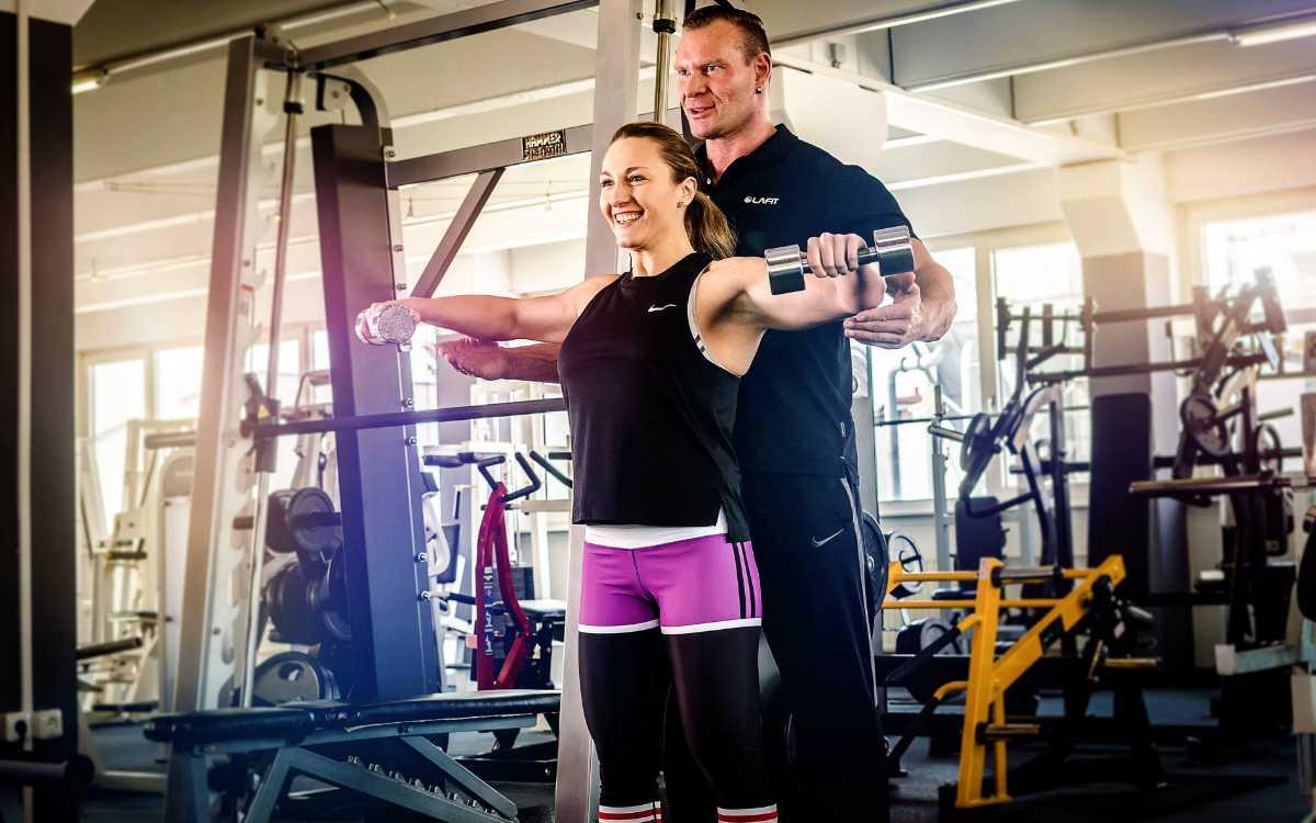 Vor dem Lockdown: Personal Training im Fitnessstudio LAFIT. Bild: Felix Decker/Fitnessstudio LAFIT