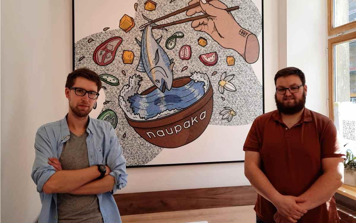 Benedikt Döring (links) und Philip Diller (rechts): Die Betreiber des Naupaka in der Bayreuther Ludwigstraße. Bild: Jürgen Lenkeit