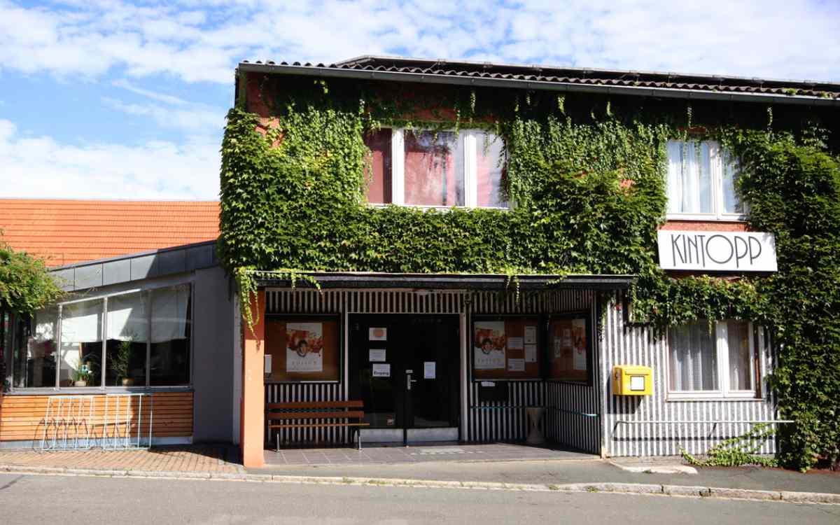 Trotz Corona-Lockerungen weiterhin geschlossen: Das Kino in Hollfeld. Bild: Ruth Dormann, Kintopp Hollfeld