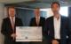 Jürgen Dünkel (Vorstand VR Bank Bayreuth-Hof eG), Frank Schmidt (Bereichsleiter Firmenkunden Süd und Private Banking) und Ingo Knoll (Schatzmeister Kinderschutzbund Bayreuth)