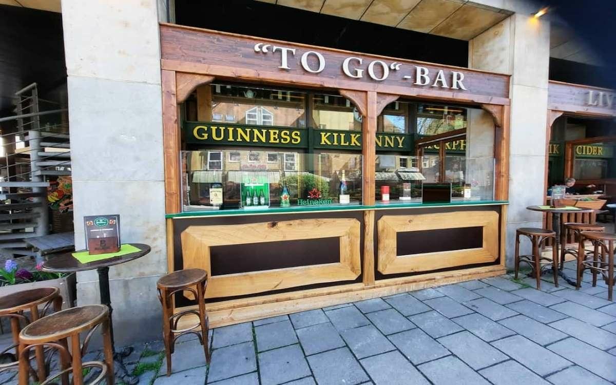 Seit Freitag (14. Mai 2021) hat das Irish Pub Dubliners in Bayreuth seinen Außenbereich wieder geöffnet. Das bt hat mit Betreiber Ralph Neidhardt gesprochen, wie es lief. Foto: privat
