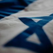 Die Deutsch-Israelische Gemeinschaft ruft Oberbürgermeister und Stadtrat in Bayreuth zur Solidarität mit Israel auf. Bild: pexels/cottonbro