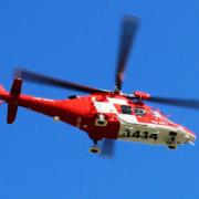 Mit einem Hubschrauber musste ein Mann nach einem Arbeitsunfall schwerverletzt in eine Klinik geflogen werden. Symbolbild: Pixabay