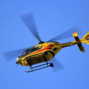 In Wunsiedel ist eine 72-jährige Frau von einem Auto angefahren worden. Sie kam vorsichtshalber mit dem Rettungshubschrauber ins Krankenhaus. Symbolbild: Pixabay