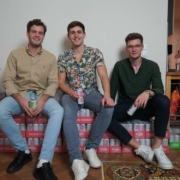 Drei Studenten an der Uni Bayreuth, eine gemeinsame Idee: So hat es PURE HardSeltzer in die Supermarktregale geschafft. Foto: PURE Hard Seltzer