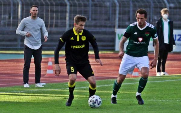 Die SpVgg Bayreuth verliert in Schweinfurt das erste Spiel der Play-Offs. Foto: Michael Horling/SW1.News