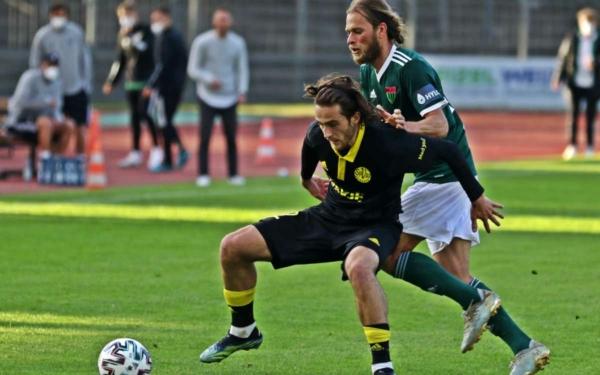 Die SpVgg Bayreuth muss heute gegen Viktoria Aschaffenburg spielen. Um 18:30 gibt es das Spiel hier live zu sehen. Archivfoto: Michael Horling/SW1.News