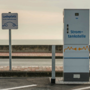 Die SPD-Stadtratsfraktion will die Elektromobilität in Bayreuth stärken - und richtet deshalb einen Antrag an Oberbürgermeister Thomas Ebersberger. Symbolbild: Pixabay