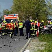 Einen Toten gab es bei einem Frontalzusammenstoß eines Autos mit einem LKW bei Naila zu beklagen. Bild: NEWS5