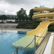 Der Stadtrat hat über einen Antrag zur kostenfreien Nutzung des Kreuzsteinbades für Kinder und Jugendliche während der Sommerferien entschieden. Archivfoto: Raphael Weiß