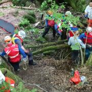 Schwerer Unfall von Wanderer im Kreis Bayreuth: Die Bergwacht Fichtelgebirge musste den Verletzten aufwändig bergen. Foto: Bergwacht Fichtelgebirge
