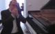 Der Bayreuther Matthias Dinkel aus Bayreuth ist ein Meister am Klavier und er hat seinen ganz eigenen Weg, der Corona-Pandemie zu begegnen. Foto: privat