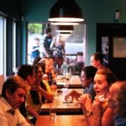 In vielen Restaurants herrscht momentan Personalmangel - so auch in Bayreuth. Symbolfoto: Pixabay