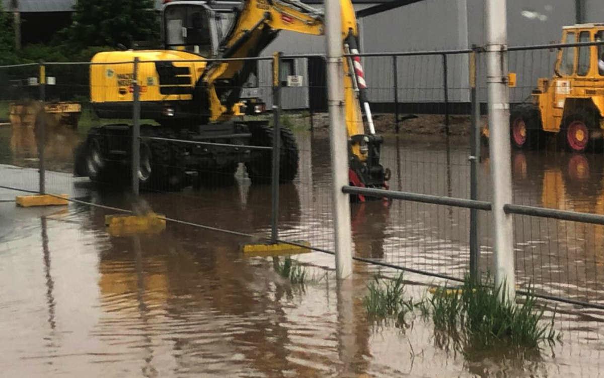 Unwetter in Bayreuth: Ein schweres Gewitter tobt in Bayreuth aktuell. Foto: Privat
