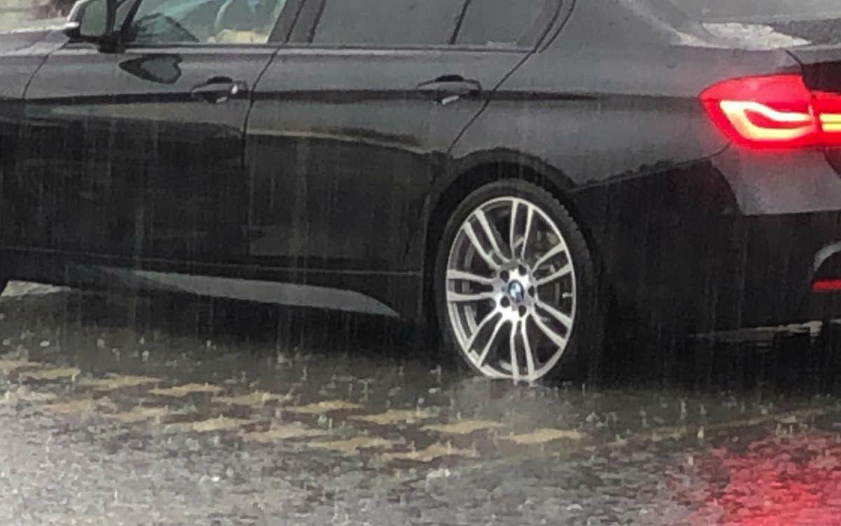 Der DWD warnt vor schwerem Gewitter und Starkregen in Stadt und Landkreis Bayreuth. Bereits am Samstag hatte es wegen des Unwetters Überschwemmungen gegeben. Archivfoto: Redaktion
