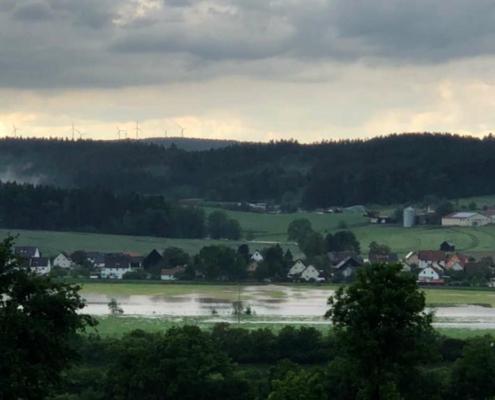 Unwetter in Bindlach: Der Starkregen hat auch den Gemeindeteil Gemein heimgesucht. Bild: Bayreuther T