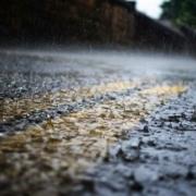 Mehrere Unfälle im Kreis Bayreuth wegen starkem Regen. Symbolfoto: Pixabay