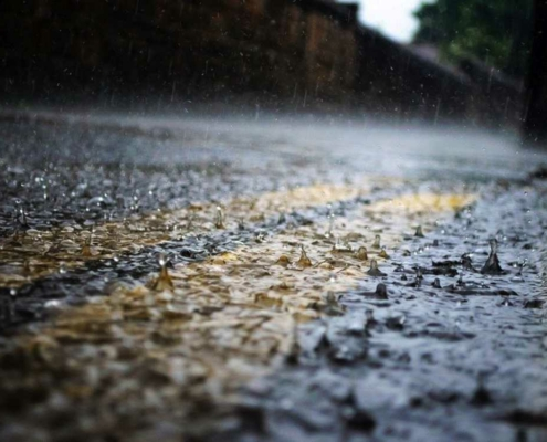 Der DWD warnt in Bayreuth vor einem schweren Gewitter und Starkregen. Symbolfoto: Pixabay
