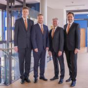 Der Gesamtvorstand der VR Bank Bayreuth-Hof eG (v.l.n.r.: Bernd Schnabel, Jürgen Dünkel, Jürgen Handke und Dr. Markus Schappert). Foto: VR Bank Bayreuth-Hof eG