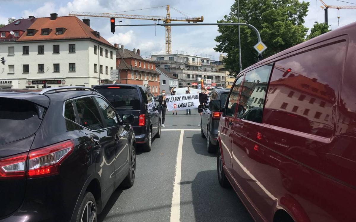 Mit einer Blitzaktion habenKlimaaktivisten in Bayreuth am Samstag (12.6.2021) an mehreren Stellen auf ihre Zieleaufmerksam gemacht.Foto: privat