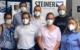 Impfen bei Steiner-Optik: V.l.n.r.: Katharina Wagner (Mitglied der Arbeitnehmervertretung), Berthold Krug (Director Finance/Controlling), zwei Mitglieder des Impfteams der Malteser, ein Mitglied des Teams der Betriebsärztin, Christian Meyer (Teamleiter Malteser) und Betriebsärztin Dr. Inge Sperl-Hümmer. Bild: Steiner-Optik GmbH