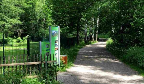 Der Tierpark Röhrensee ist Teil von Bayreuths lebendigem Süden. Die Beschilderung wurde mit Mittel aus dem Europäischen Fonds für regionale Entwicklung realisiert. Bild: Jürgen Lenkeit