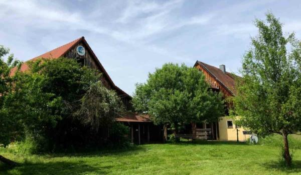 Das Umweltschutzinformationszentrum Lindenhof im Stadtteil Hohlmühle: Teil von Bayreuths lebendigem Süden. Bild: Jürgen Lenkeit