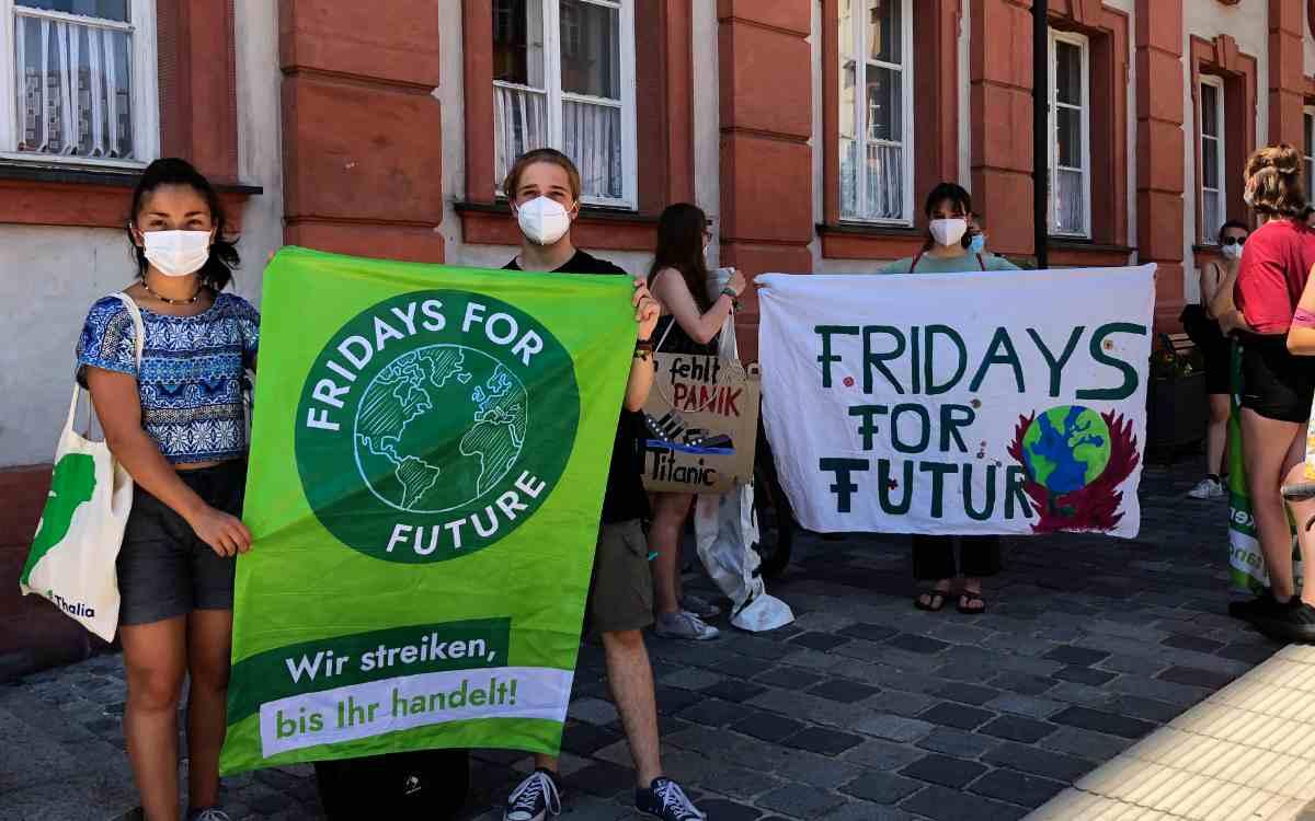 Fridays For Future in Bayreuth: Vor dem Demonstrationszug. Bild: Jürgen Lenkeit
