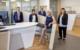 """""""Herzlich willkommen in Ihrer VR Bank Bayreuth-Hof eG, jetzt wieder am bewährten Standort in Eckersdorf"""", sagen von links: Christian Lang (Privatkundenberater), Andrea Körber-Besold (Regionalleiterin), Lorenz Polster (Privatkundenberater), Anja Dürst (Serviceberaterin), Nadja Heinl (Kundenberaterin)"""