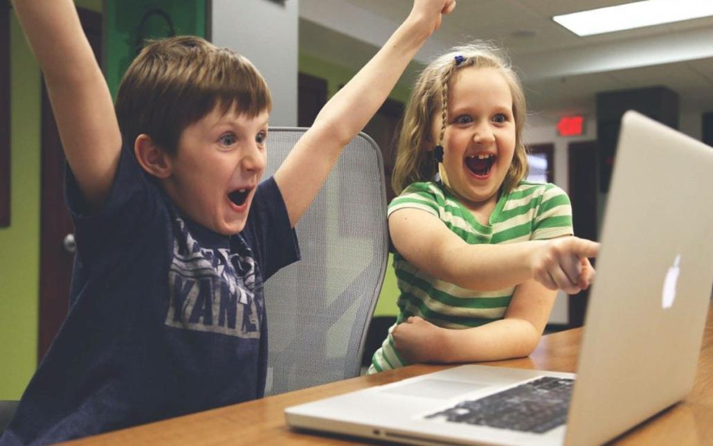 Endlich! Schnelles Internet in der Luitpoldschule - ein Glasfaserkabel macht's möglich. Symbolfoto: Pixabay
