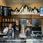 Das Team im Frozen Mountain am Canale Grande in Bayreuth. Foto: Privat