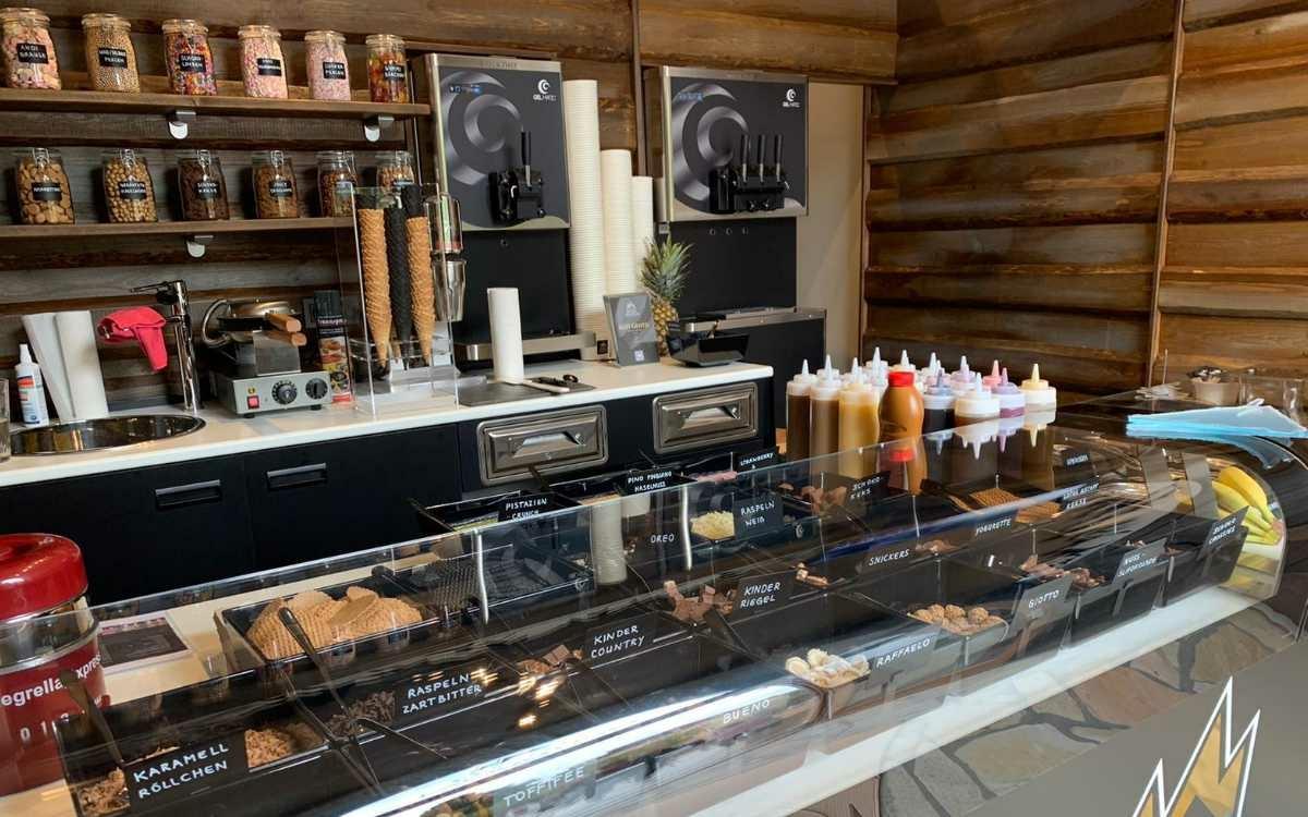 Im Engins Frozen Mountain in Bayreuth gibt es eine Vielzahl an Toppings und Frozen Joghurt. Foto: Privat