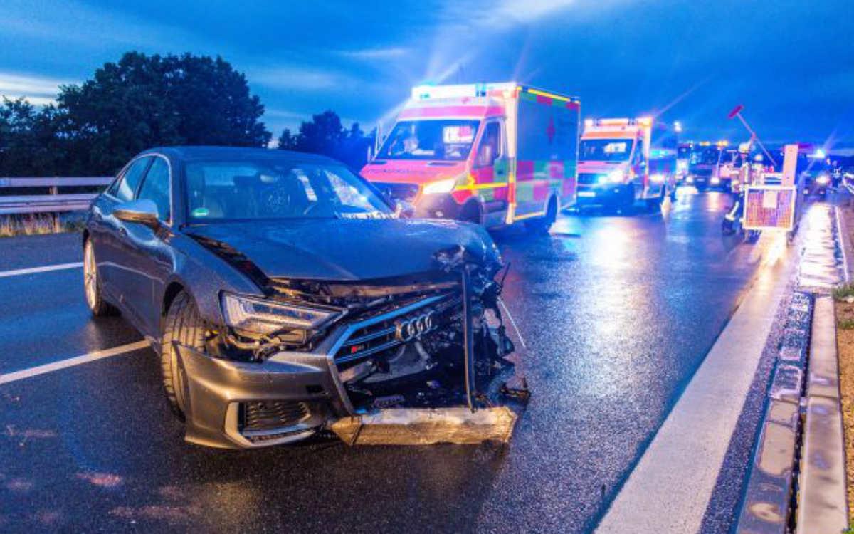 Unfälle bei Unwetter: Auf der A73 gab es acht Verletzte. Foto: News5/Merzbach