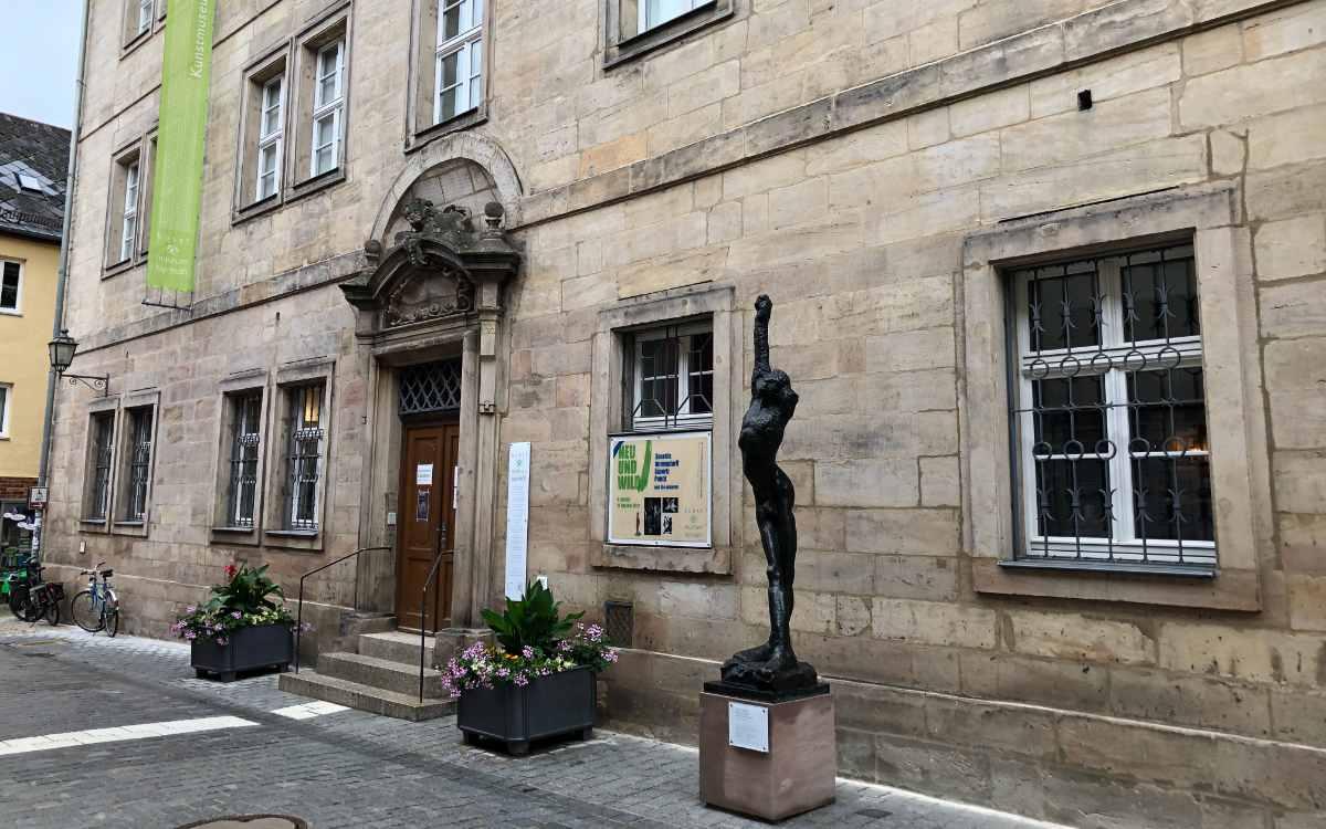 Das Alte Barockrathaus in Bayreuth muss wegen eines Wasserschadens bis auf Weiteres geschlossen werden. Bild: Michael Kind