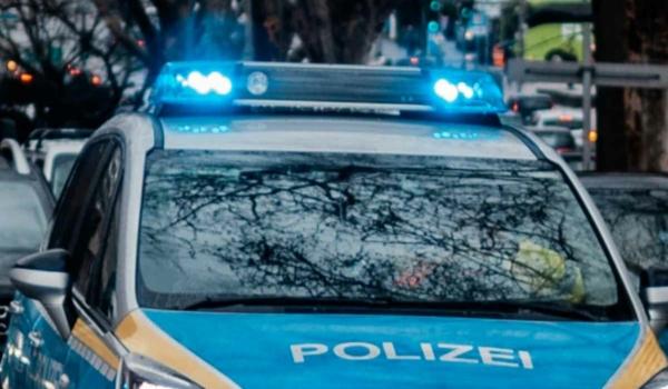 In der Nähe der A70 stellte die Verkehrspolizei Bayreuth gleich mehrere Straftaten bei ein und demselben Auto fest. Symbolbild: Pixabay