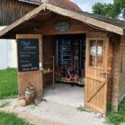 Der Hofladen Bauernhöfen in Aichig bei Bayreuth steht rund um die Uhr offen. Bild: Michael Kind