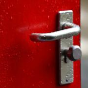 Weil eine Tür zum Lüften geöffnet wurde, hatte eine Frau im eigenen Haus in Marktleuthen eine gruselige Begegnung. Symbolfoto: pixabay