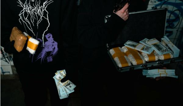 Bei einer Drogen-Razzia in Bayreuth, Bamberg und Lichtenfels wurden fünf Personen festgenommen. Symbolbild: Pexels/Matt Production