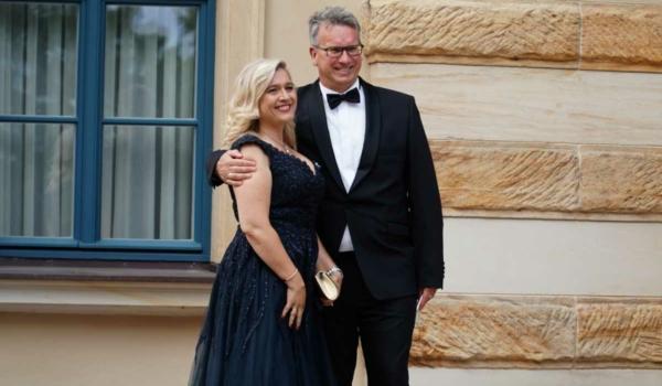Melanie Huml, Ministerin für Europaangelegenheiten und Internationales in Bayern mit Ehemann Markus. Bild: Michael Kind