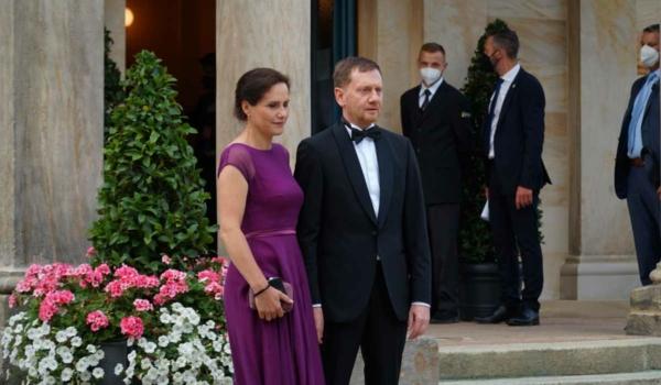 Der sächsische Ministerpräsident Michael Kretschmer mit Ehefrau Annett Hofmann. Bild: Michael Kind