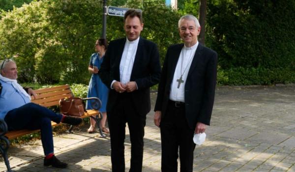 Der Bamberger Erzbischof Ludwig Schick (rechts). Bild: Michael Kind