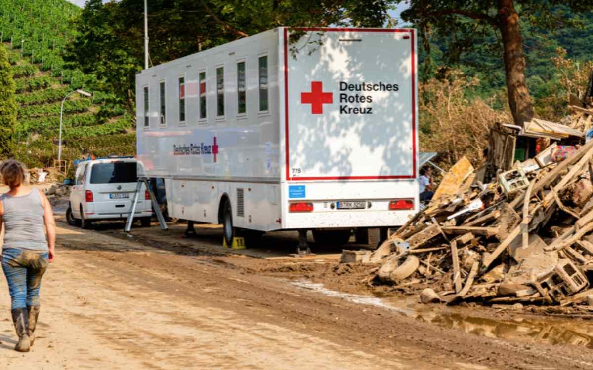 Freiwillige des BRK Bayreuth: Sie haben bei der Flutkatastrophe im Ahrtal geholfen. DAs BRK Bayreuth hat sich nun bei Ihnen bedankt. Bild: Philipp Köhler/DRK