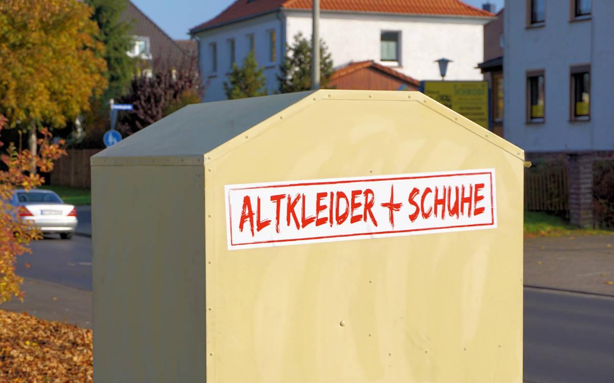 In Unterfranken steckte eine Frau in einem Altkleidercontainer fest und starb. Symbolbild: Pixabay
