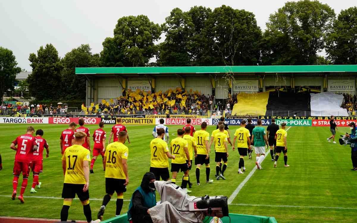 DFB-Pokal, 1. Runde: SpVgg Bayreuth - Arminia Bielefeld. Bild: Jürgen Lenkeit