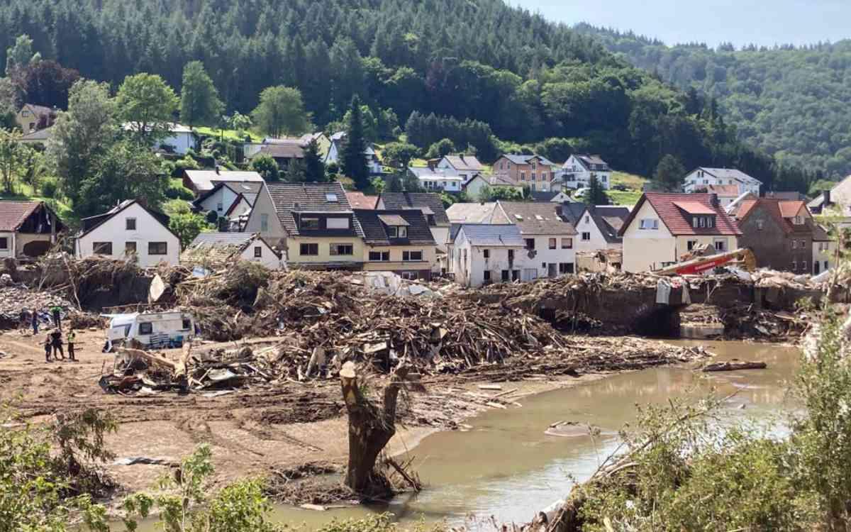 Das Chaos kannte kaum Grenzen. So sah es in Altenahr im Kreis Ahrweiler aus. Bild: Walter Steger
