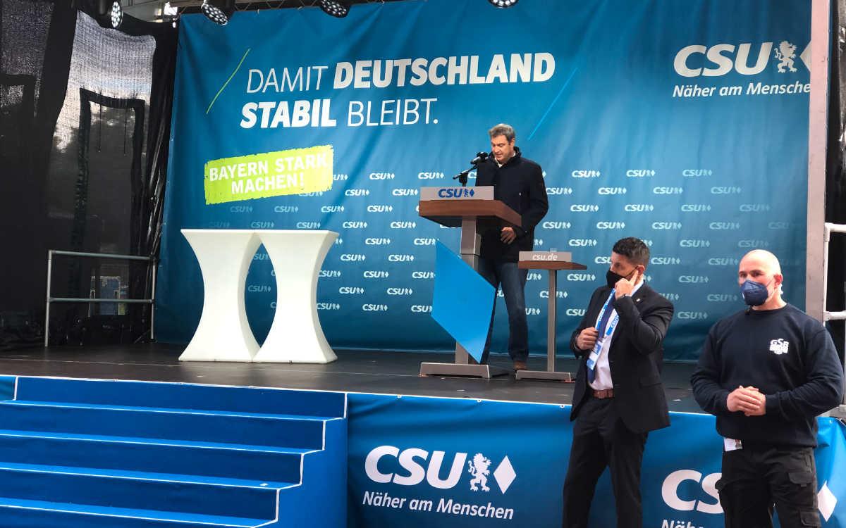 Mit einer ausführlichen Rede sprach der bayerische Ministerpräsident Markus Söder auf einer Wahlveranstaltung der CSU im Hans-Walter-Wild-Stadion in Bayreuth. Bild: Michael Kind