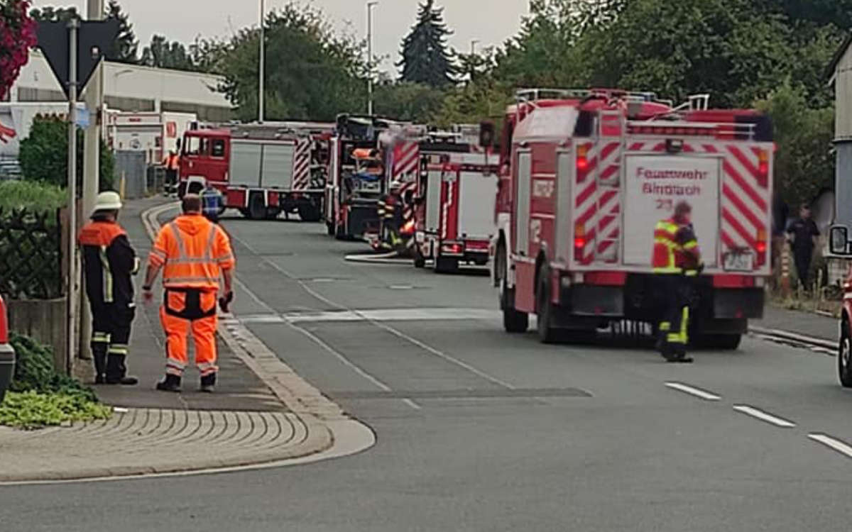 Feuer im Industriegebiet in Bindlach. Foto: Feuerwehr Bindlach