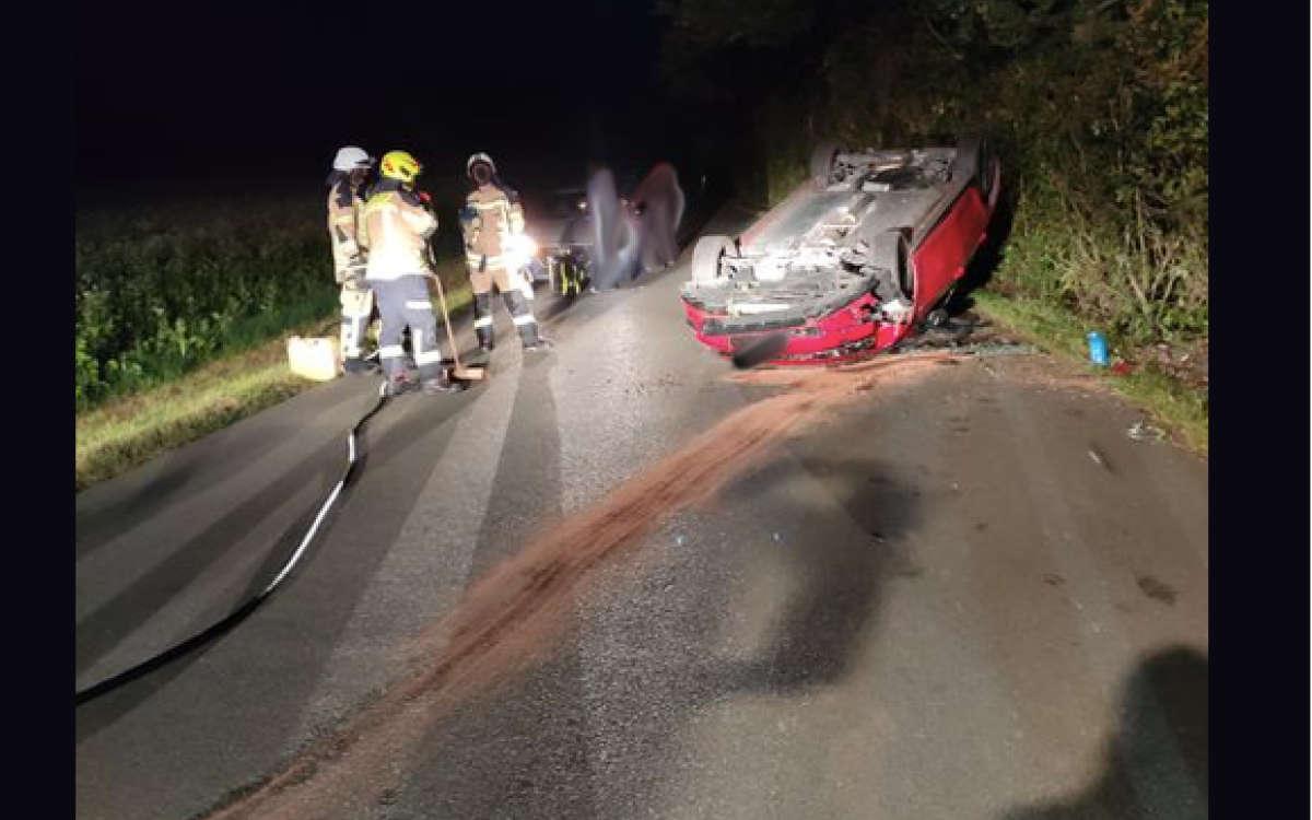 Unfall in der Nacht auf Dienstag bei Goldkronach : Ein Auto hat sich überschlagen. Foto: Feuerwehr Goldkronach / Screenshot Facebook