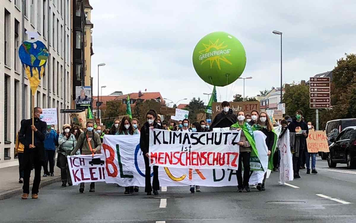 Fridays for Future in Bayreuth: Am 24. September demonstrierten die Aktivisten wieder für das Klima. Bild: Jürgen Lenkeit